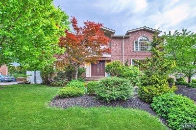 Englewood Cliffs Single Family Home For Sale: 89 Dillingham Place