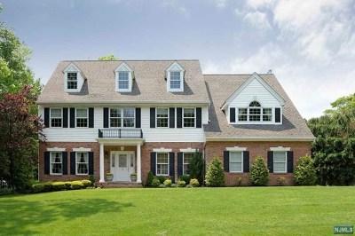 Montvale Single Family Home For Sale: 16 Sunnyside Drive