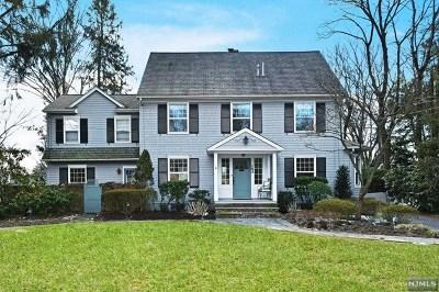 Ridgewood Single Family Home For Sale: 184 West Ridgewood Avenue