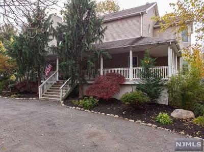 Paramus Single Family Home For Sale: 175 Paramus Road