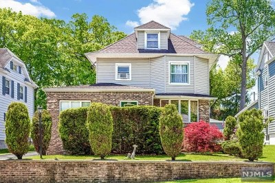 Hasbrouck Heights Single Family Home For Sale: 106 Washington Place