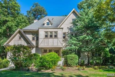 Bogota Single Family Home For Sale: 171 Larch Avenue