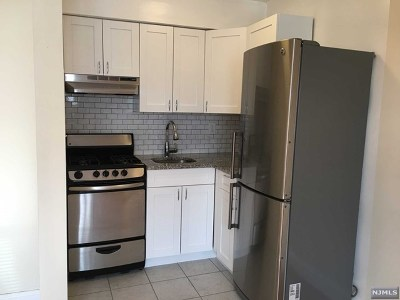 Fort Lee Condo/Townhouse For Sale: 275 Hoym Street #1g