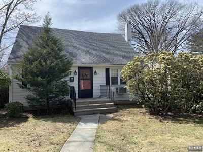 Hackensack Single Family Home For Sale: 209 Catalpa Avenue