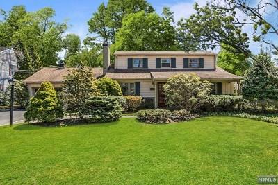 Wyckoff Single Family Home For Sale: 388 Monroe Avenue