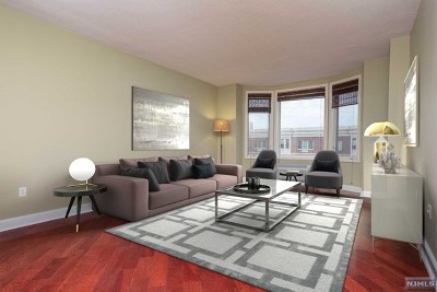 Edgewater Condo/Townhouse For Sale: 5404 City Place #5404