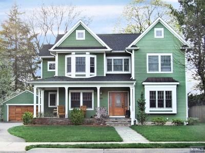 Ridgewood Single Family Home For Sale: 340 North Pleasant Avenue