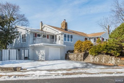 Wayne Single Family Home For Sale: 37 Hanover Place
