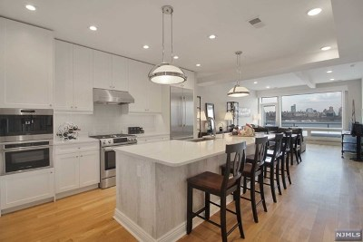Edgewater Condo/Townhouse For Sale: 9 Somerset Lane #617