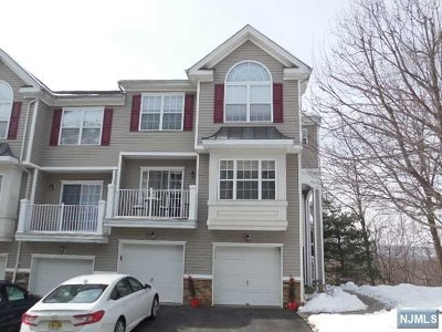 Pompton Lakes Condo/Townhouse For Sale: 43 Ridge Drive