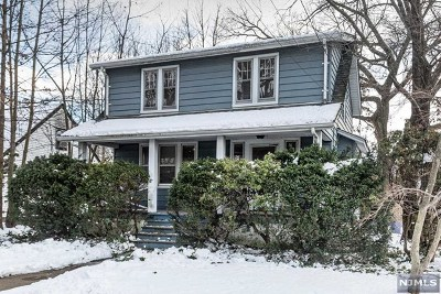 Bergenfield Single Family Home For Sale: 276 Hickory Avenue