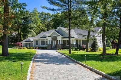 Franklin Lakes Single Family Home For Sale: 343 Long Bow Drive