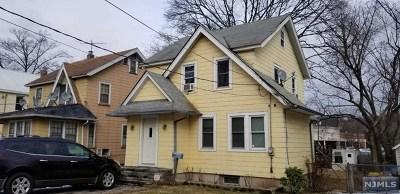 Teaneck Single Family Home For Sale: 693 Chestnut Avenue