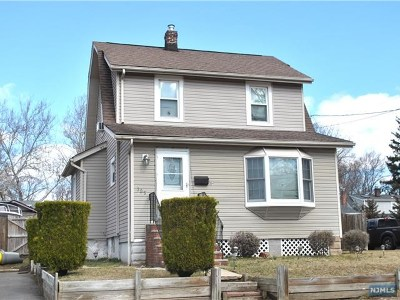 New Milford Single Family Home For Sale: 385 Milford Avenue