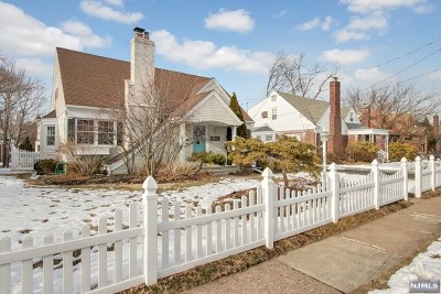 Fair Lawn Single Family Home For Sale: 13-11 Fairhaven Place