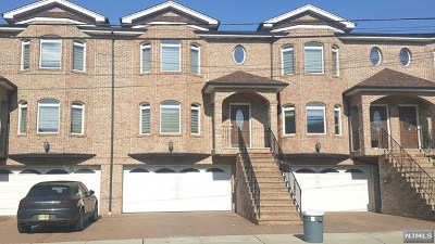 Palisades Park Condo/Townhouse For Sale: 519c Lincoln Street