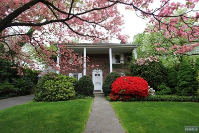 Tenafly Single Family Home For Sale: 53 Sherwood Road