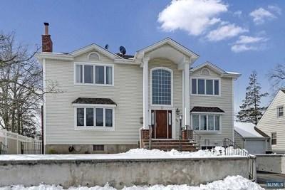 Elmwood Park Single Family Home For Sale: 24 Bellevue Avenue