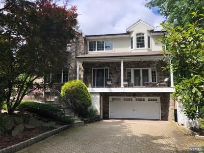 Tenafly Single Family Home For Sale: 115 Stonehurst Drive