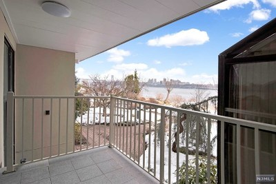 Edgewater Condo/Townhouse For Sale: 1225 River Road #9a