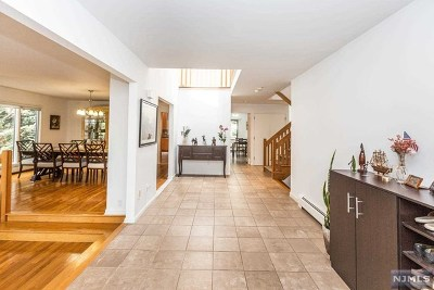 Closter Single Family Home For Sale: 463 Homans Avenue