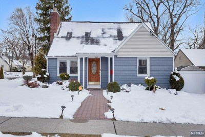 Teaneck Single Family Home For Sale: 692 Cornwall Avenue