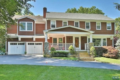 Closter Single Family Home For Sale: 32 Hickory Lane
