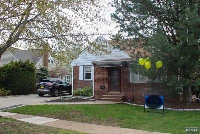 Fair Lawn Single Family Home For Sale: 8-10 Harrison Drive