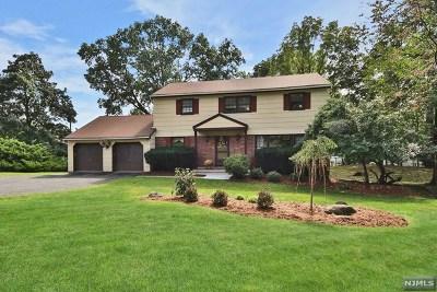 Hawthorne Single Family Home For Sale: 4 Glen Court