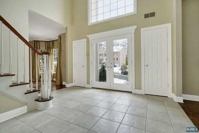 Mahwah Single Family Home For Sale: 10 Sylvan Court