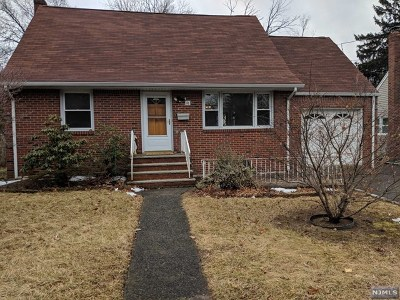 Bergenfield Single Family Home For Sale: 76 North Prospect Avenue