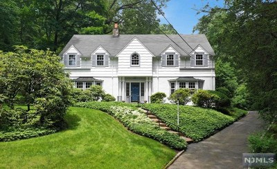 Ridgewood Single Family Home For Sale: 251 Palmer Court