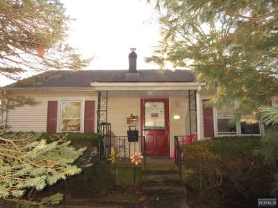 Hackensack Single Family Home For Sale: 215 Catalpa Avenue
