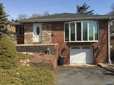 Fort Lee Single Family Home For Sale: 263 Forest Road