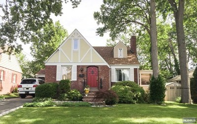 River Edge Single Family Home For Sale: 166 Monroe Avenue