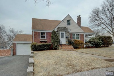 Fair Lawn Single Family Home For Sale: 37-21 Garden View Terrace