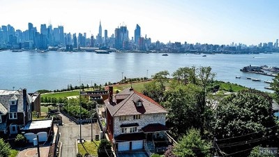 Weehawken Single Family Home For Sale: 53-55 Kingswood Road