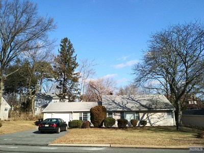 Paramus Single Family Home For Sale: 187 Haase Avenue