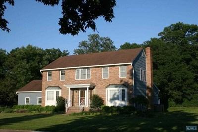 Passaic County Single Family Home For Sale: 15 Borzotta Boulevard