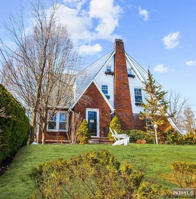 Ridgewood Single Family Home For Sale: 244 Bogert Avenue