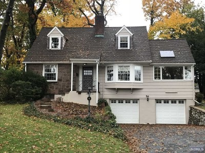 Ho-Ho-Kus Single Family Home For Sale: 56 Edgewood Drive