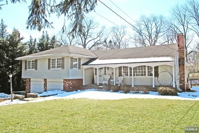 Ridgewood Single Family Home For Sale: 220 Bellair Road