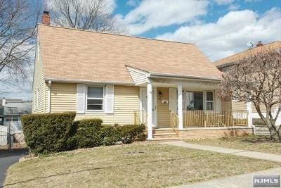 Elmwood Park Single Family Home For Sale: 49 Falmouth Avenue