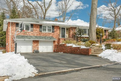 Oradell Single Family Home For Sale: 938 Wildwood Road