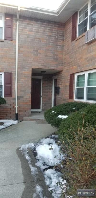 Park Ridge Condo/Townhouse For Sale: 89 North Maple Avenue
