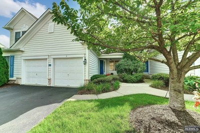 Paramus Condo/Townhouse For Sale: 6 Mulberry Court