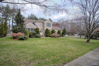 Passaic County Single Family Home For Sale: 97 Carol Place