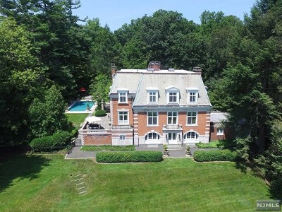 Essex County Single Family Home For Sale: 351 North Ridgewood Road