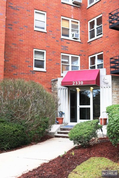 Fort Lee Condo/Townhouse For Sale: 2330 Linwood Avenue #3e