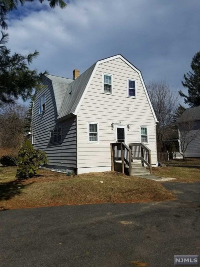 Morris County Single Family Home For Sale: 85 Kinnelon Road